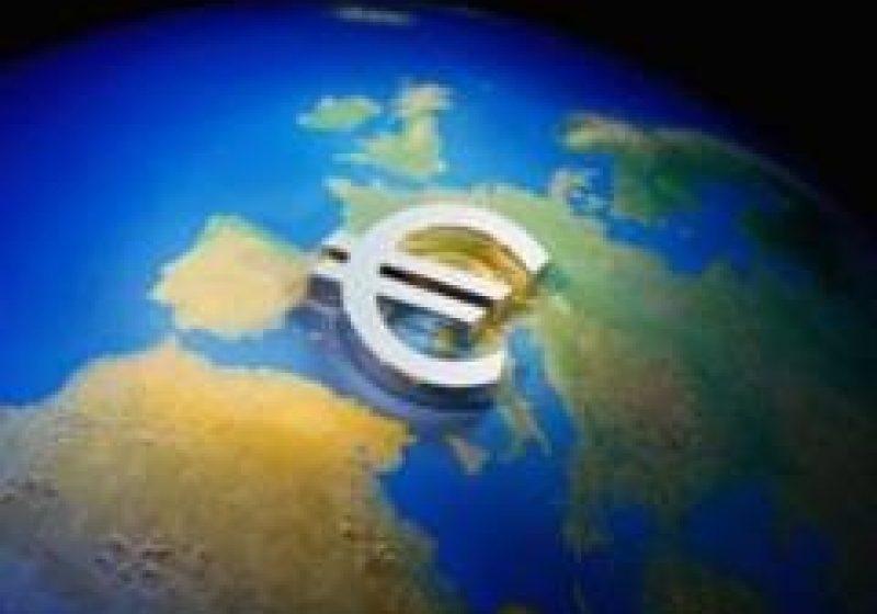 Italia şi Spania aruncă zona euro în criza datoriei