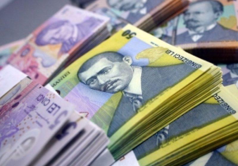 Ministerul Finanţelor vrea să împrumute marţi 700 milioane lei de la bănci