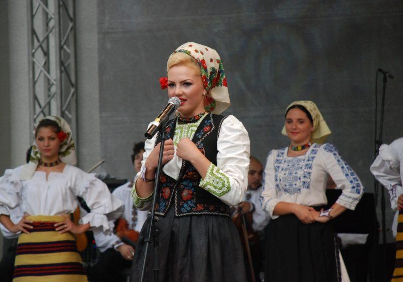 Baia Mare: Miss Maramureşeanca 2011 este din COAŞ. Vezi FOTO de la eveniment
