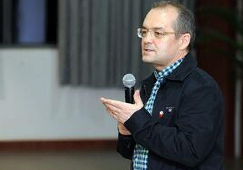 Premierul Boc cere autorităţilor locale să elimine subvenţiile la încălzire pentru cei cu venituri mari