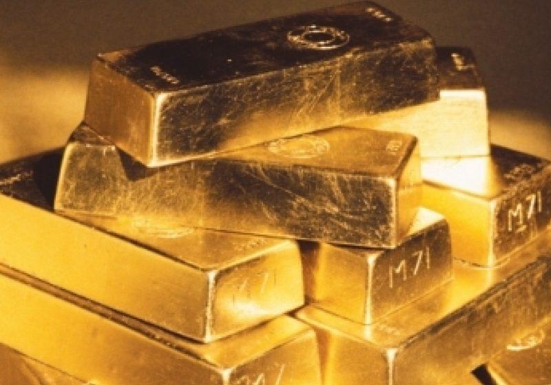 Preţul aurului a atins un nou record istoric. Bursele din Asia au scăzut luni cu 1%