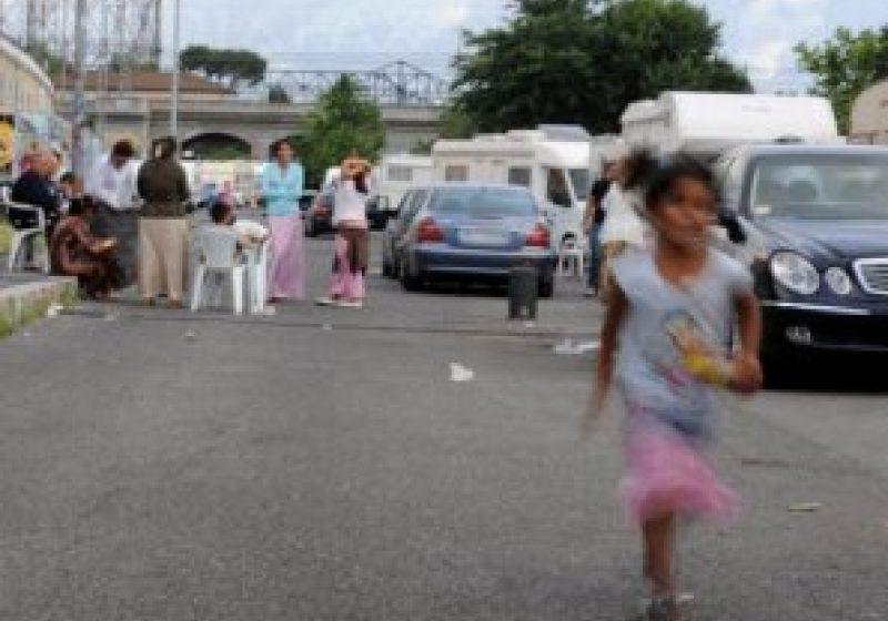 Starea de sănătate a romilor români din Paris, afectată de campaniile împotriva lor