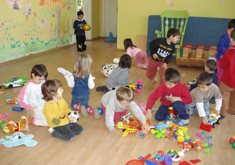 Baia Mare: Tabără pentru copiii din medii defavorizate şi de etnie rromă