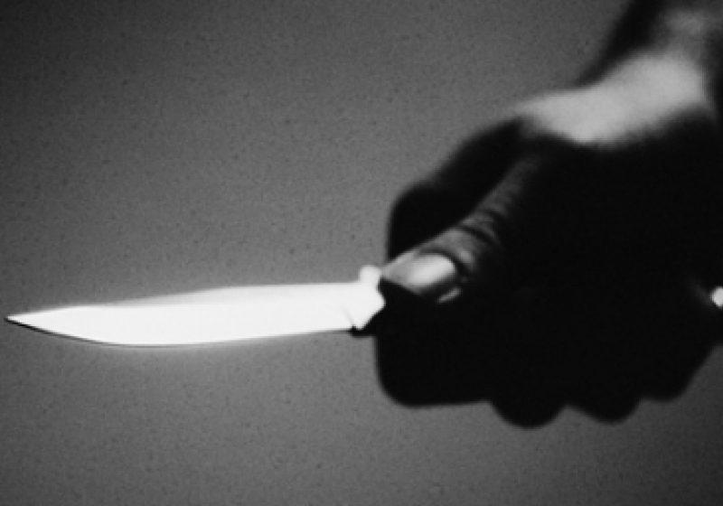 Un bărbat a fost înjunghiat mortal în inimă, în plină stradă