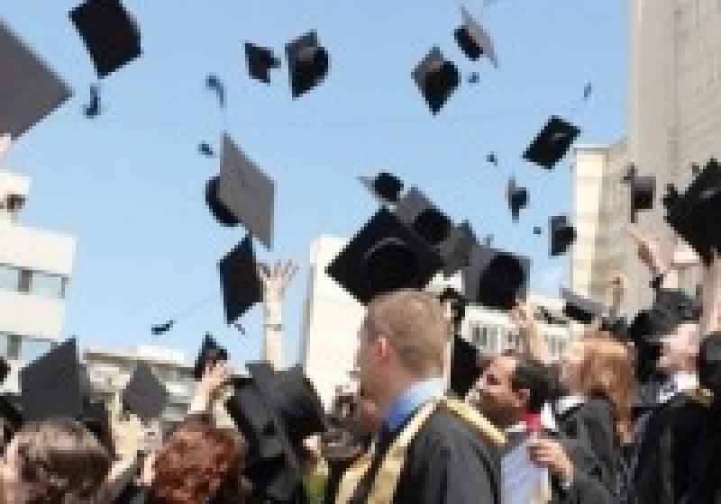 Universităţile vor fi clasificate şi finanţate conform nivelului de studii-licenţă, masterat şi doctorat