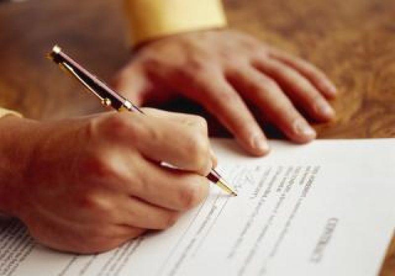 Zeci de contracte de muncă desfăcute în rândul maramureşenilor