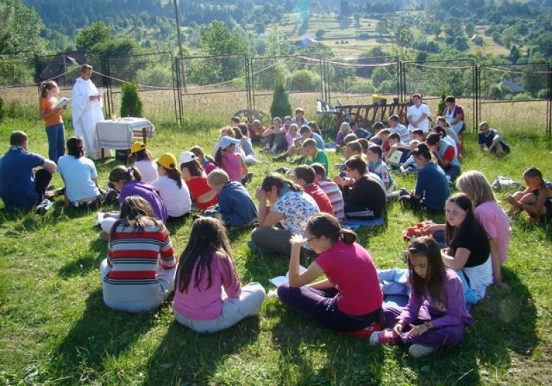 """Revelion bisericesc sărbătorit de participanţii la pelerinajul greco catolicilor din Congregaţia """"Don Orione"""""""
