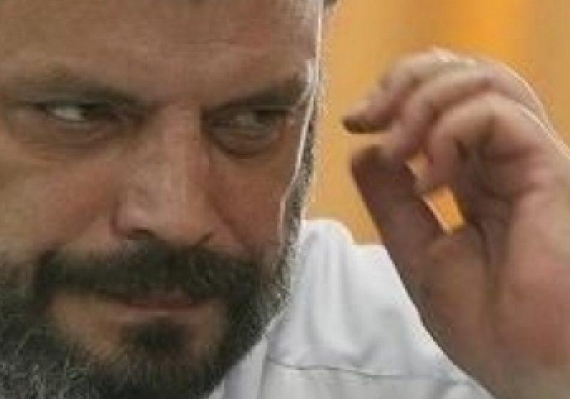 Consilierul prezidenţial Peter Eckstein Kovacs a demisionat. Motivul demisiei este diferendul de opinie privind Roşia Montană