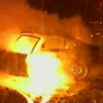 Poliţiştii din Strâmtura cercetează doi tineri bănuiţi că au incendiat un autoturism