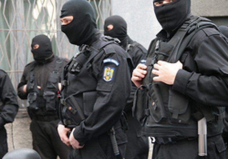 SIGHET: Contrabandişti agresivi imobilizaţi de poliţiştii de frontieră sigheteni