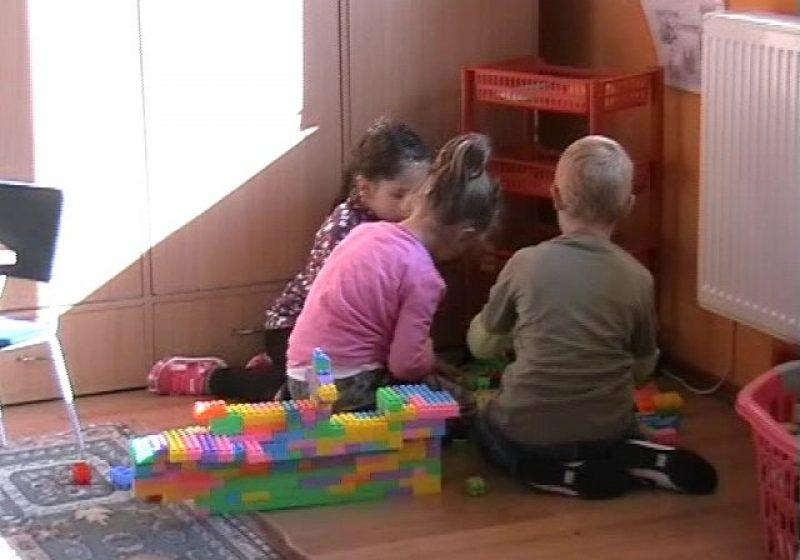 Baia Mare: Sursa producerii toxiinfecţiei alimentare în rândul celor peste 80 de copii de la grădiniţa din Seini rămâne încă o necunoscută