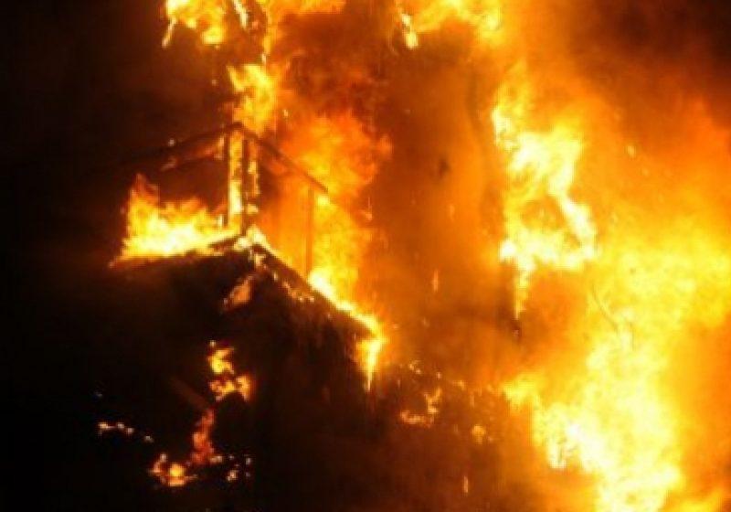SIGHET: Magazie dezafectată din apropierea Gării CFR Călători Sighet salvată de la incendiu
