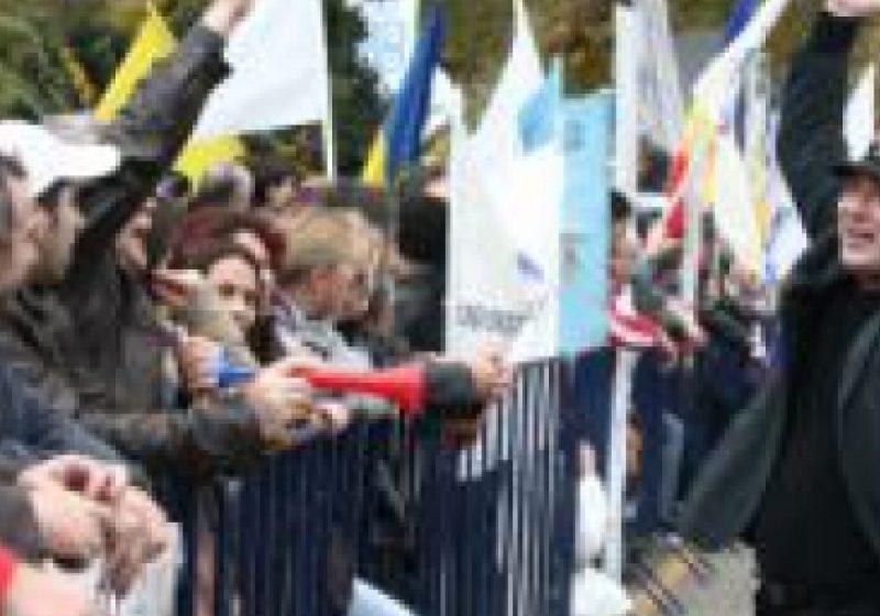 Pensionarii vor ieşi în stradă, nemulţumiţi de decizia guvernului de a nu va majora pensiile în 2012
