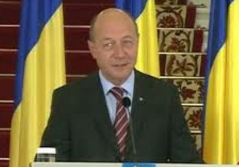 Băsescu a promulgat Legea asistenţei sociale, pe cea a bugetului de stat pe 2012 şi pe cea a bugetului asigurărilor sociale