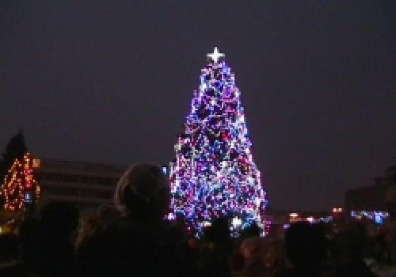 Baia Mare: Luminile de sărbători redau viaţă municipiului reşedinţă de judeţ