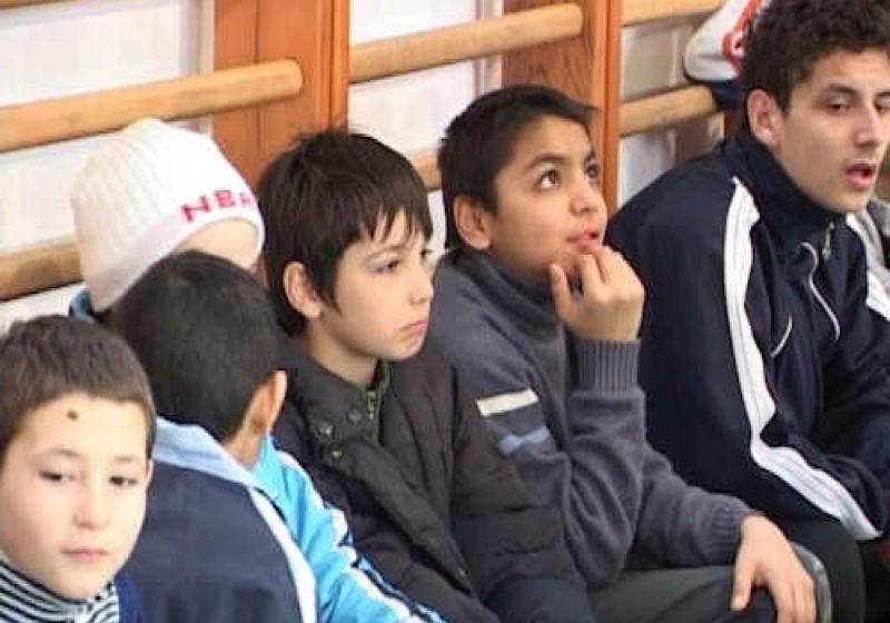 SIGHET: Copiii institutionalizati din municipiul Sighet au sarbatorit astazi la Centrul de Zi Micul Prinţ