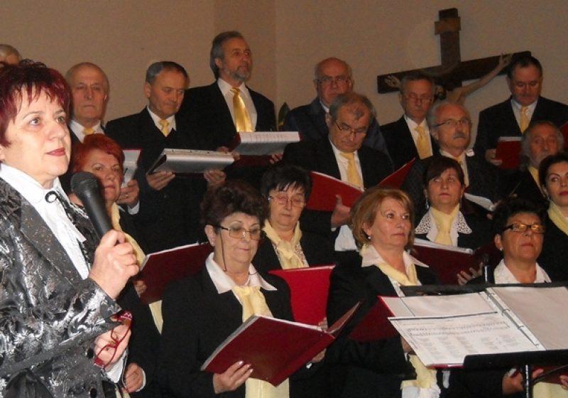 """Sighetu Marmaţiei: Corul """"Cristos Rege"""" a susţinut un emoţionant concert de colinde"""