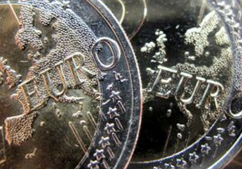 Euro la 10 ani: Consecinţe pozitive, dar şi lipsă de coordonare