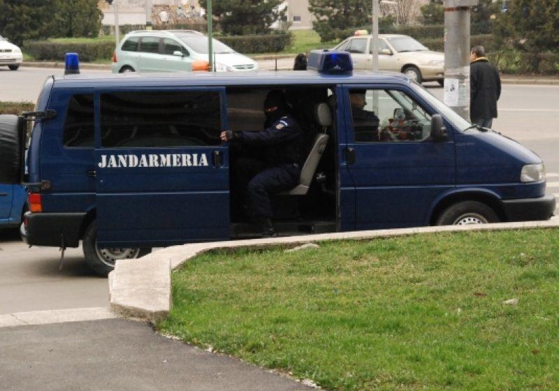 Baia Mare: Jandarmii au aplanat scandaluri şi au dat avertismente pentru refuz de legitimare