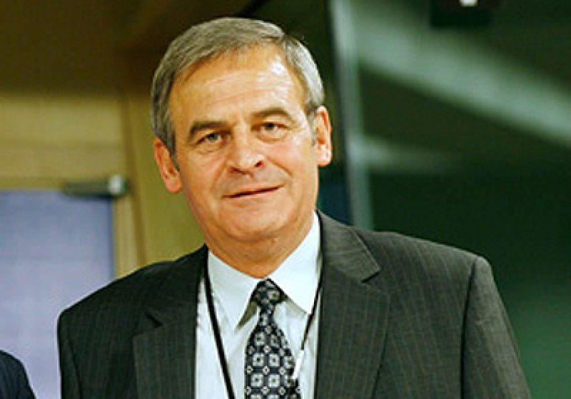 Laszlo Tokes a fost reales preşedinte al CNMT pentru un an