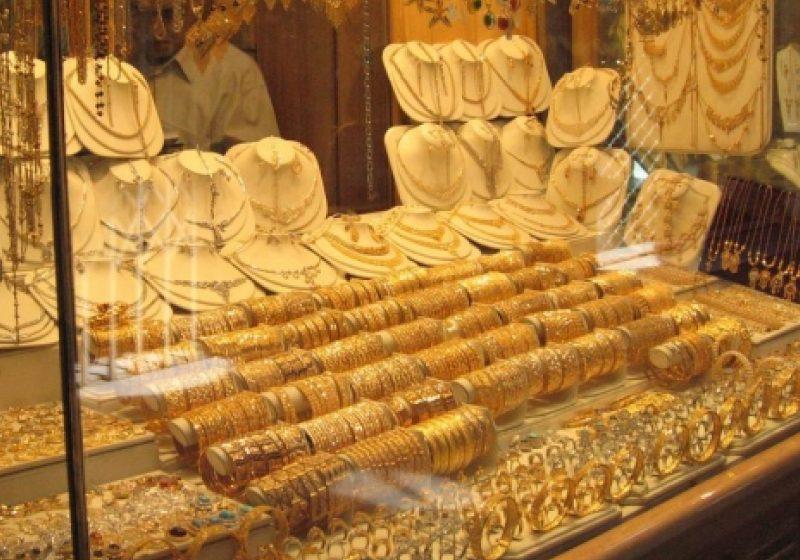 Poliţiştii i-au identificat şi reţinut pe suspecţii tâlhăriei comise la un magazin de bijuterii din Baia Mare
