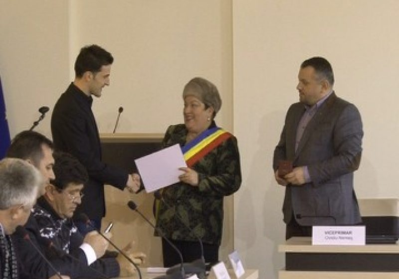 Fotbalistului sighetean Marius Bilasco i s-a decernat astazi titlul de cetatean de onoare al municipiului Sighetul Marmatiei
