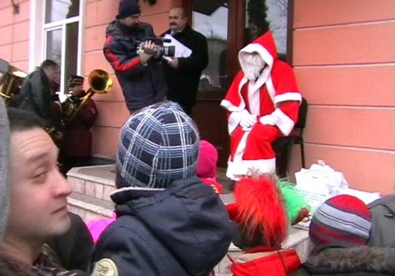 Baia Mare: Moş Crăciun, reţinut la sediul Inspectoratului de Poliţie Judeţean Maramureş