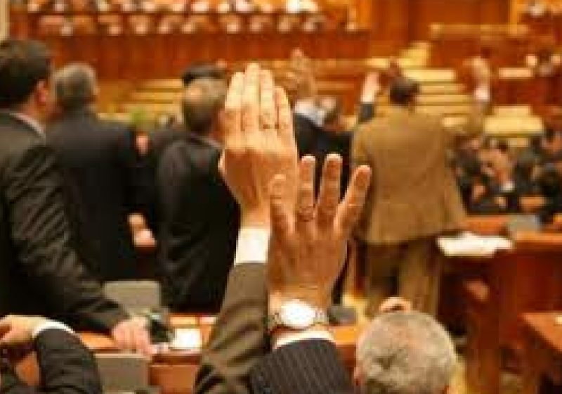 Noua taxă auto, aprobată de plenul Camerei Deputaţilor