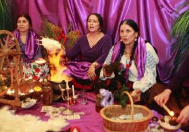 Percheziţii la vrăjitoare: Şapte persoane duse la audieri