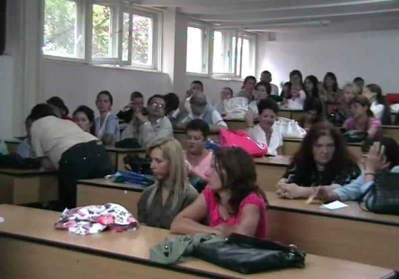 Baia Mare: Aproximativ 62.000 lei pentru profesorii şi elevii acestora care au obţinut rezultate deosebite la concursurile şcolare