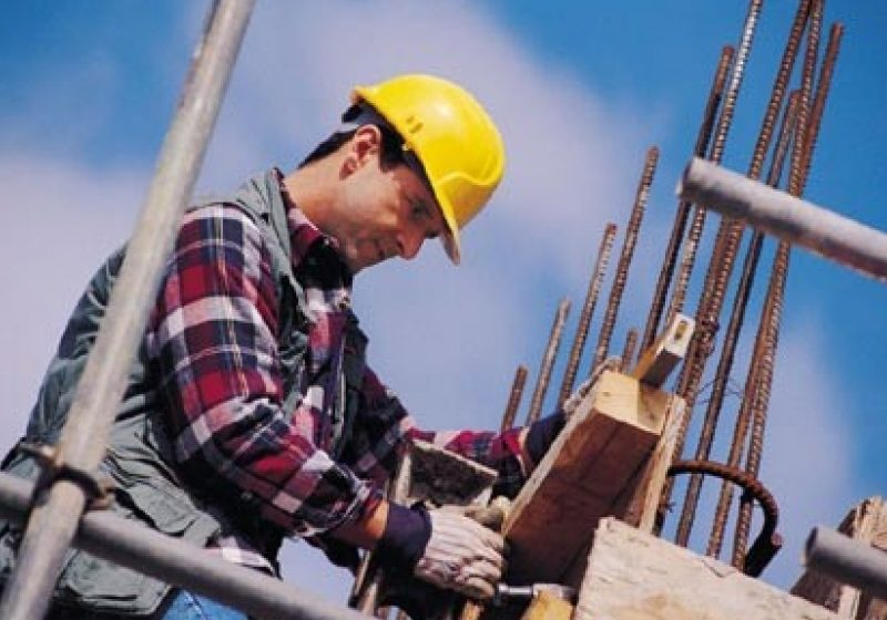 Italia elimină de la 1 ianuarie restricţiile pe piaţa muncii impuse românilor