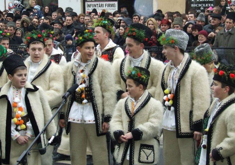 SIGHET: Sesiune de comunicări pe teme de etnografie şi folclor la Muzeul Maramureşului din Sighet
