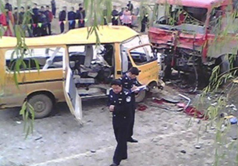 Tragedie în Brazilia: 36 de morţi în urma coliziunii între un camion şi un autocar