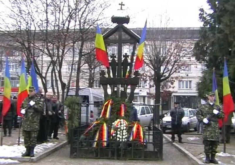 Baia Mare: Un revoluţionar a adresat injurii reprezentanţilor PDL şi UDMR la comemorarea eroilor martiri ai Revoluţiei din 1989