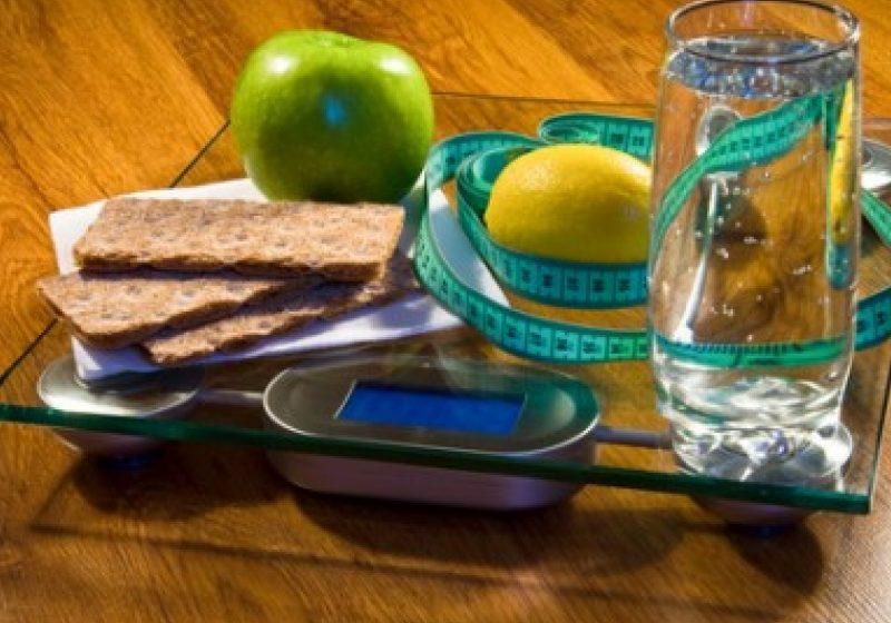 Zece metode de a diminua sarea şi zahărul din dietă, fără a renunţa la alimentele gustoase