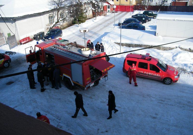 Maramureş: Mai mulţi pompieri austrieci i-au ajutat pe colegii din Vişeu de Sus la revizia unor autospeciale