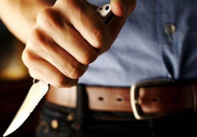 Ameninţări cu cuţitul în plină stradă