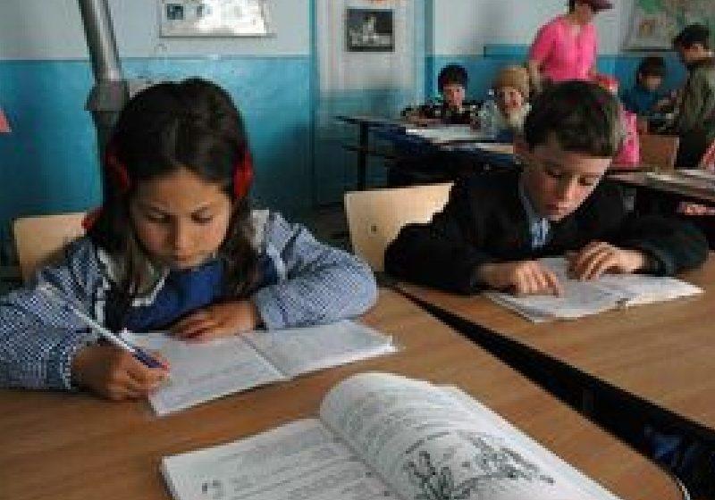 Din anul şcolar 2012 – 2013 se introduce clasa pregătitoare în învăţământul primar