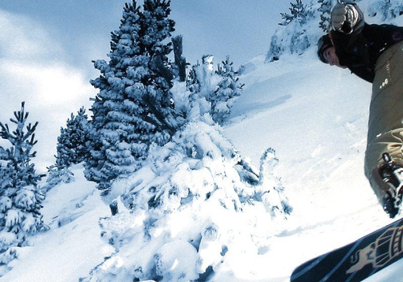 Cursuri gratuite de schi şi snowboard la Cavnic în 22 ianuarie, de Ziua Mondială a Zăpezii