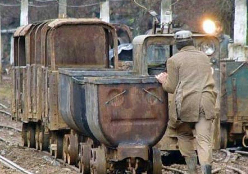 Minerii din Mehedinţi au întrerupt activitatea de extracţie a cărbunelui din cauza frigului