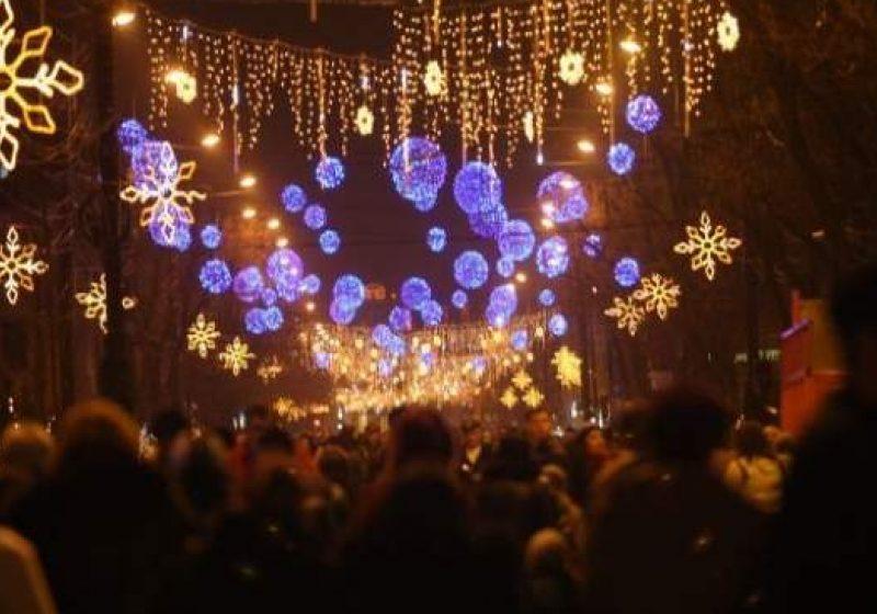 Sighetenii se mai pot bucura de ghirlandele care au luminat orasul de sarbatori pana la sfarsitul lunii ianuarie