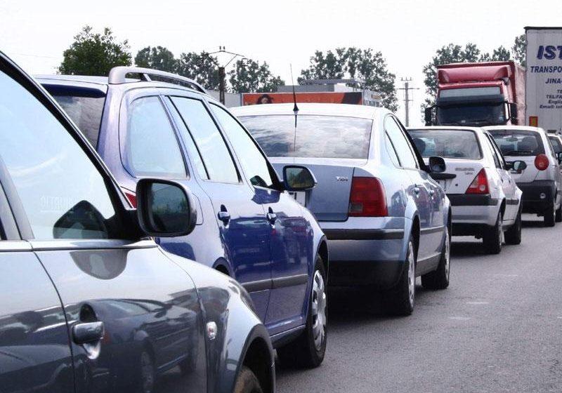 Noua Lege privind taxa auto, în vigoare de sâmbătă; aplicarea ei efectivă, după aprobarea normelor în Guvern