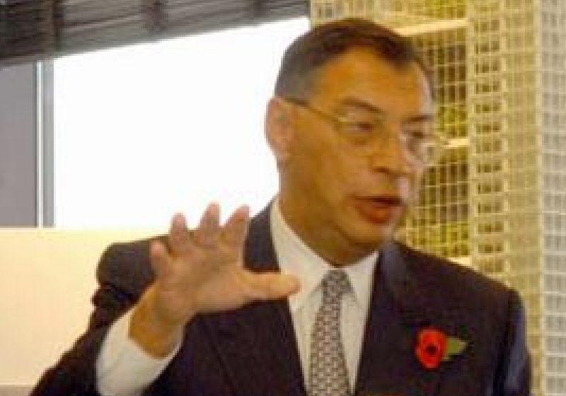 Omul de afaceri George Iacobescu, primul român distins cu titlul de Cavaler de regina Marii Britanii