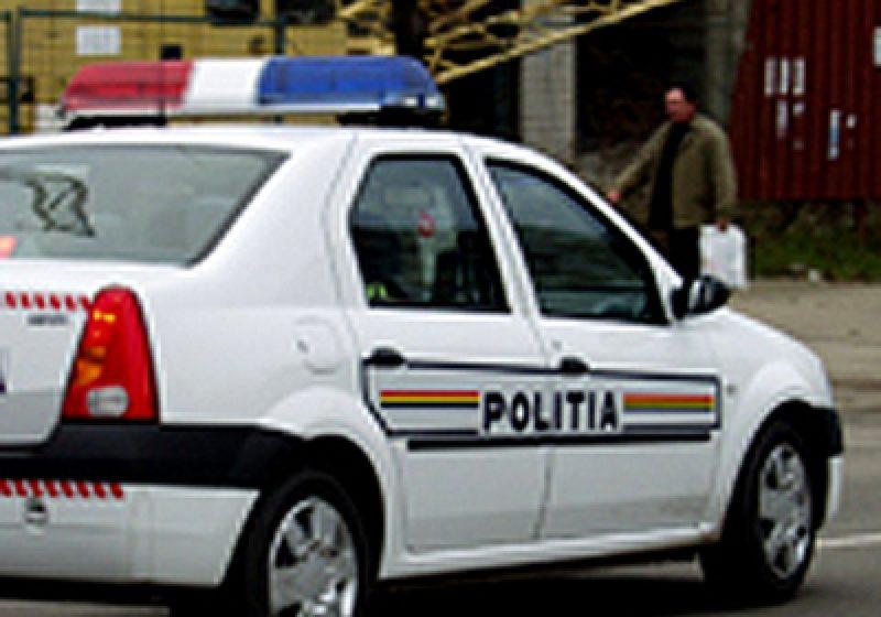 Sesizaţi de un cetăţean vigilent  şi cu simţ civic, poliţiştii au identificat autorul unei distrugeri