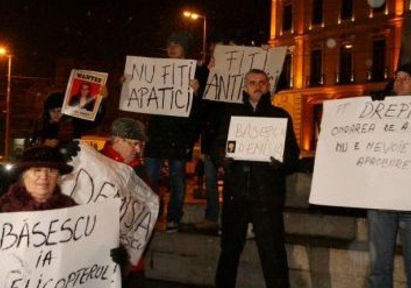Lideri politici, intelectuali, consilieri locali şi tineri voluntari sigheteni protestează pe străzile capitalei