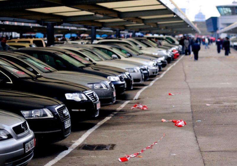 Şoferii români pot completa, începând de luni, cererile de restituire a diferenţelor de taxă auto