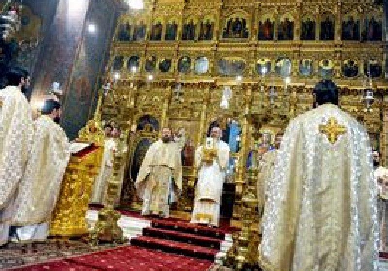 Peste 600.000 de români îşi sărbătoresc onomastica de Sf. Vasile