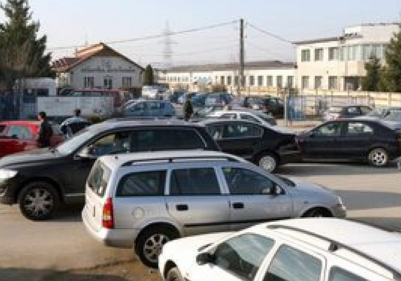 Guvernul a aprobat suspendarea taxei de poluare pentru autovehiculele înmatriculate înainte de 2007