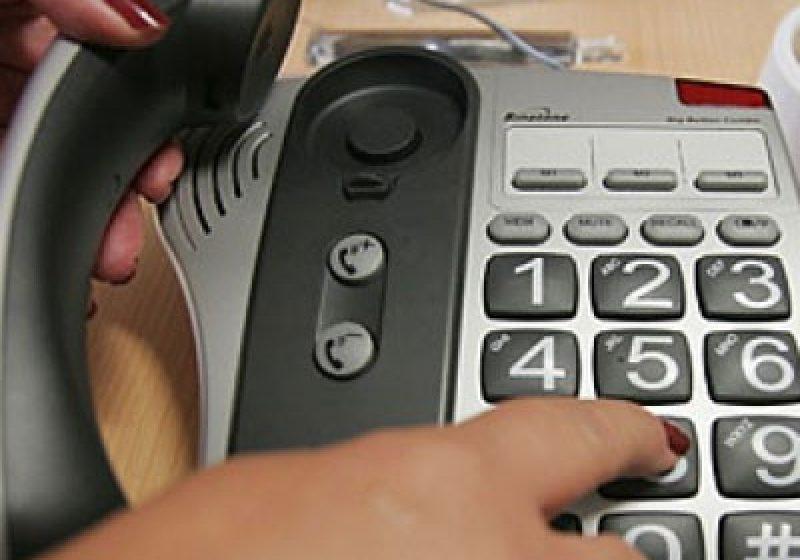 Telefon gratuit pentru semnalarea neregulilor în învăţământ