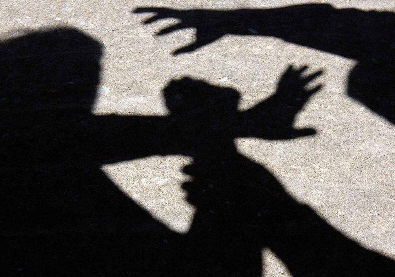 Borşa: Un ţigan a fost pălmuit de un borşean după ce a fost surprins că i-a furat adidaşii